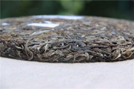 如果长期存放普洱茶,选生茶好还是熟茶好?