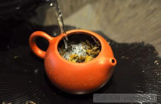 茶叶泡沫2.jpeg