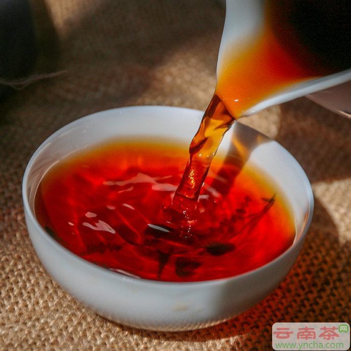 普洱茶和滇红的区别.jpg